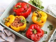 Пълнени чушки по мексикански с говежда кайма, домати и ориз
